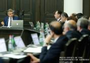 Лица, которые заняли высокие посты в составе нового правительства, до намеченного на 26 ноября съезда партии все как один пополнят ряды партии. «Жогов...