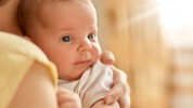 Ո՞ւմ և ի՞նչ չափով է վճարվում մինչև երկու տարեկան երեխայի խնամքի նպաստը