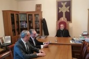 Պարգև սրբազանը Զոհրաբ Մնացականյանին ներկայացրեց Արցախի թեմի գործունեությունը և ծրագրերը