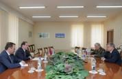 Պաշտպանության նախարարը և ՀՀ-ում ՌԴ դեսպանորդն ու ռազմական կցորդը քննարկել են երկկողմ ռազմա...