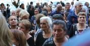 Նիկոլ Փաշինյանը հանդիպում է  Կառավարության շենքի մոտ բողոքի ակցիա իրականացնող զոհված զինծա...