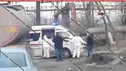 Ինչպես են Երևանում շտապօգնության աշխատակիցներն իրանական համարանիշներով բեռնատարից իջեցնում...