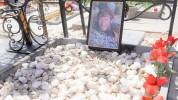 Գիշերը հրդեհվել է Եռաբլուրում Քոչարյանի հետ վիճած կնոջ հերոս որդու շիրիմը. civic.am
