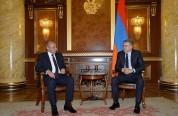 Բակո Սահակյանը և Կարեն Կարապետյանն անդրադարձել են Հայաստանի ներքաղաքական իրավիճակին