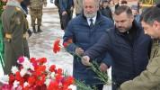 Կարեն Սարգսյանն այսօր այցելել է Ստեփանակերտի եղբայրական հուշահամալիր