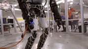 Atlas ռոբոտին նստեցրել են անիվների վրա (տեսանյութ)
