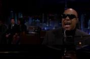 Սթիվի Ուանդերը սերենադ է երգել Միշել Օբամայի համար (վիդեո)