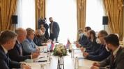 Միրզոյանը Մատվիենկոյի հետ հանդիպմանը շեշտել է Ադրբեջանում պահվող հայ գերիներին վերադարձնել...