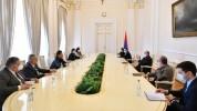 Արմեն Սարգսյանը հանդիպել է ԱԺ խմբակցություններում չընդգրկված մի խումբ պատգամավորների հետ (...