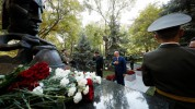 Նիկոլ Փաշինյանը հարգանքի տուրք է մատուցել հոկտեմբերի 27-ի ոճրագործության զոհերի հիշատակին