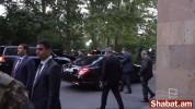 Նիկոլ Փաշինյանը հեռացավ ԱԺ-ից` չպատասխանելով հարցերին (տեսանյութ)