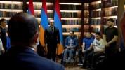 ՀՀ վարչապետը Հայրենիքի պաշտպանների հետ մեկ րոպե լռությամբ հարգանքի տուրք է մատուցել հերոս ...