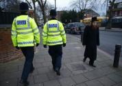 Լոնդոնում ոստիկանությունը տղամարդու է ձերբակալել, ով պնդում էր, որ իր մոտ ռումբ կա