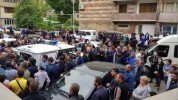 Ոստիկանները բռնության ենթարկված Քաջարանցու հարազատներին համոզում են, որ բողոքը հետ վերցնեն...