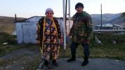 75-ամյա Մարուսյա տատիկը և Գառնիկ պապիկը 100․000 դրամ են փոխանցել Զինծառայողների ապահովագրո...