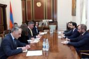 Տիգրան Ավինյանն ընդունել է Ասիական զարգացման բանկի Հայաստանի գրասենյակի նորանշանակ տնօրեն ...