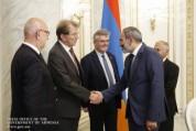 Փաշինյանն ընդունել է Ֆրանսիա-Հայաստան պատգամավորական բարեկամական խմբի պատվիրակությանը