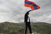 « Հայաստանից բողոքողին մի հատ տնտղեք, տեսեք թե ո՞վա, նոր ծափ տվեք»