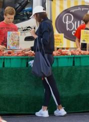 Իրինա Շեյքը՝ Սանտա Մոնիկայի շուկայում (լուսանկարներ)