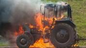 Մասիս քաղաքի աղբավայրի տարածքում տրակտոր է այրվում