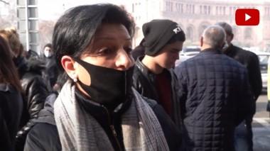 Մենք մինչև վերջ պահանջելու ենք, որ մեր երեխաներին Ղարաբաղից բերեն Հայաստան․ զինծառայողի ծնող (տեսանյութ)