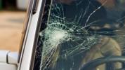 Իսակովի պողոտայում «Toyota Corolla»-ն բախվել է էլեկտրասյանը․ կան տուժածներ